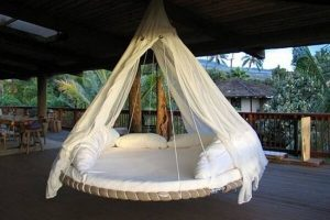Swinging bed from trampoline